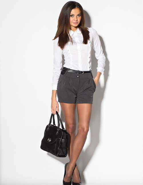 шорты с завышенной талией, с чем носятся и комбинируются, различные варианты