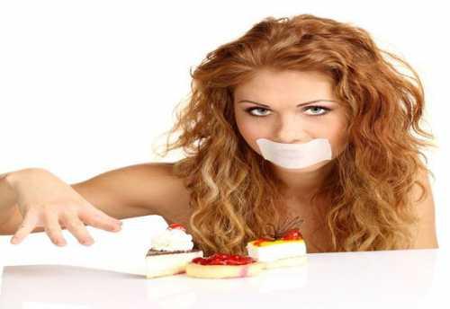 девушка рассказала, каково это— жить слишним весом имногим худым людям непонять ееболь